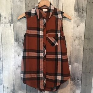 Abound XS Sleeveless Flannel Top